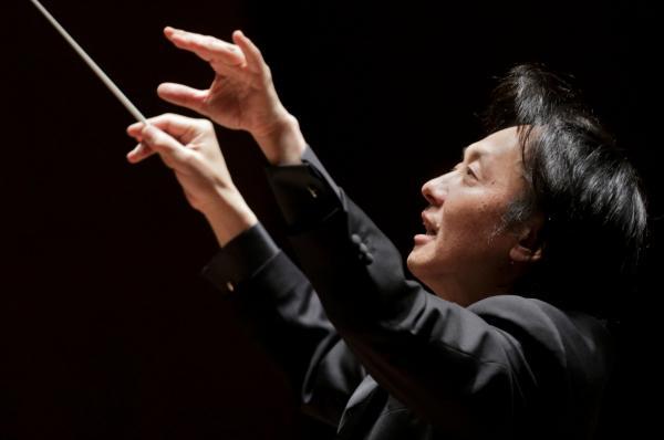 上岡敏之指揮 新日本フィルハーモニー交響楽団