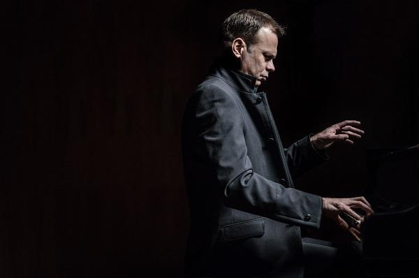 シュテファン・ヴラダー ピアノ・リサイタル